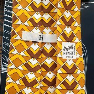Hermès Necktie with limited edition le pegase box